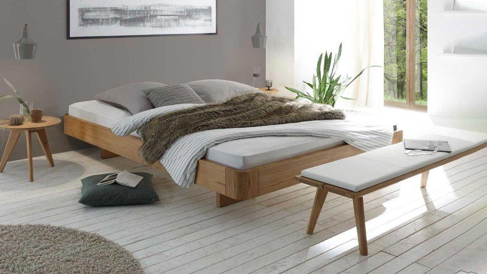 Schwebebett Airo ohne Kopfteil. Matratze, Bettzeug und Lattenrost nicht im Lieferumfang enthalten.